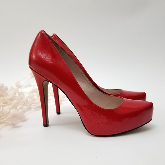 d642d4139d2 Vince Camuto Red Platform Pumps